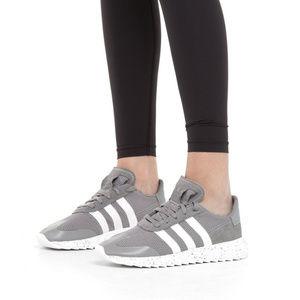 adidas kanadia, Adidas originals t shirt trefoilt grau